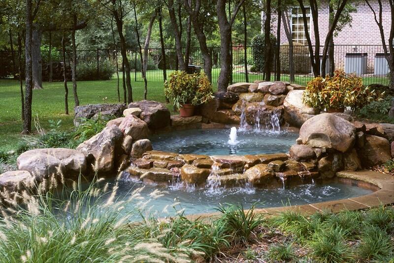 Design Your Pool with the Award-Winning Custom Pool Builders at Riverbend Sandler