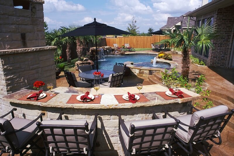 How to Host a Summer Kickoff Pool Party in Your Backyard