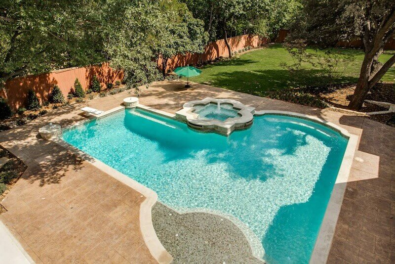 Custom-formal-diving-pool-and-raised-spa