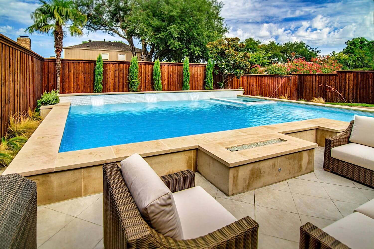 Choosing the Right North Texas Pool Builder