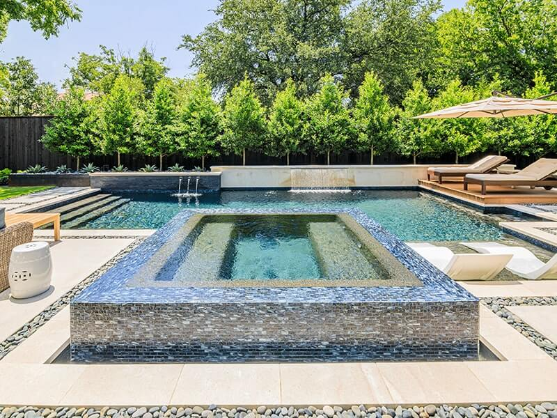 Pool & Spa Combinations and Why They Work in Your Backyard
